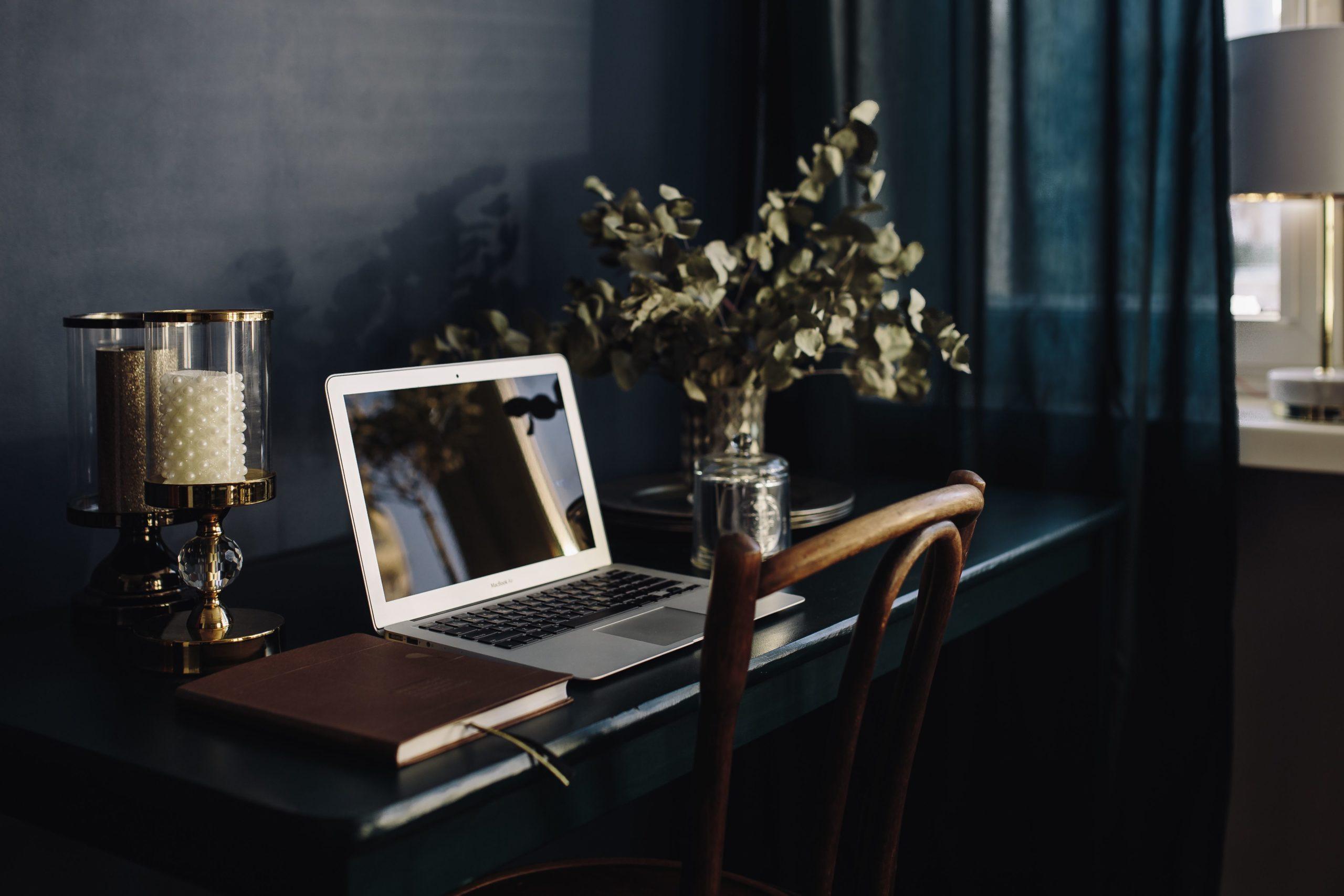 kaboompics_Modern Home Office